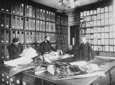 Le choix des tissus, 1910, G. Agié